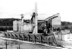 Investitionen in zwei Asphaltaufbereitungsanlagen in Münnerstadt und Elfershausen sichern die Zukunft des Unternehmens.